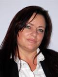 Leandra Hillier (Intern)