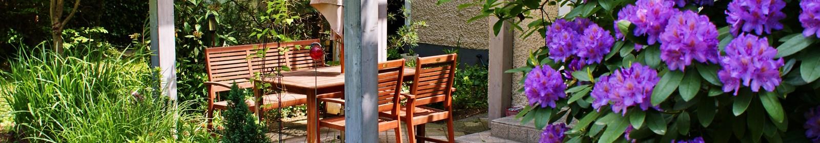 Versatile ideas for outdoor living zones