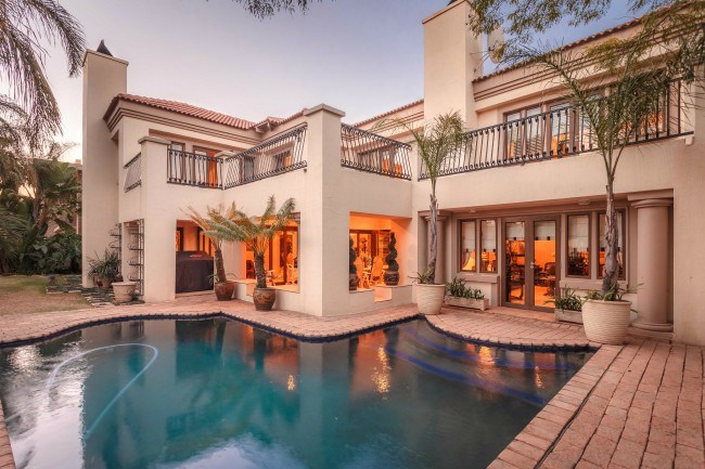 This five bedroom and four bathroom home in Silver Lakes is in the market for R7.5 million.