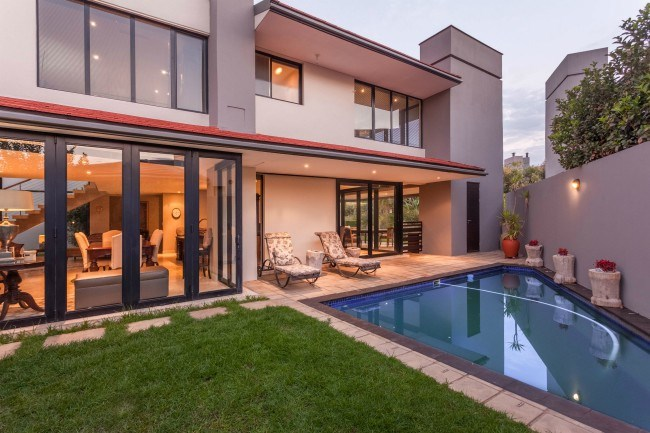 This three bedroom, three bathroom Lakes House in Lombardy Estate is in the market for R4 650 000 million.