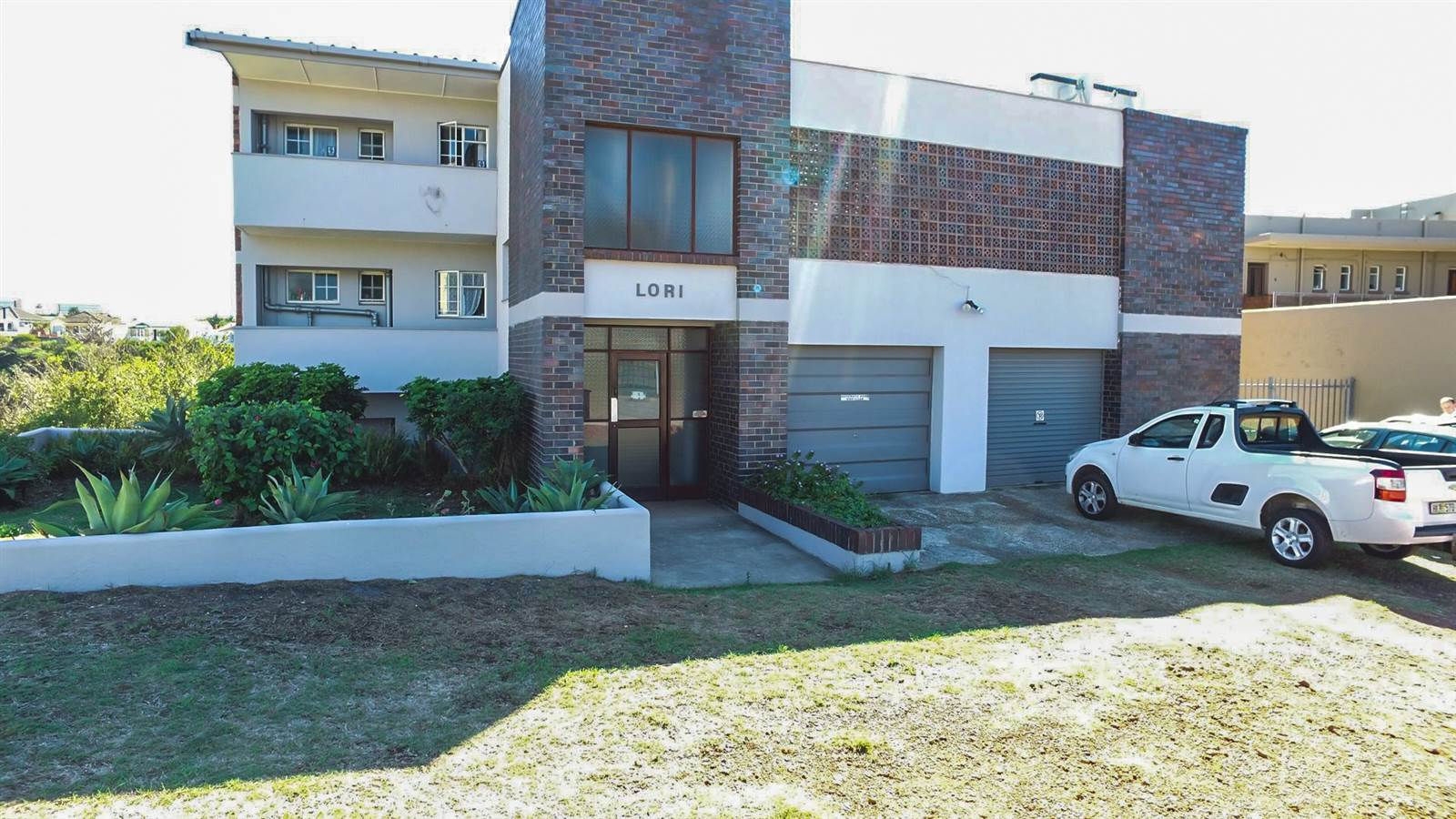2 Bedroom Apartment for sale in Richmond Hill T