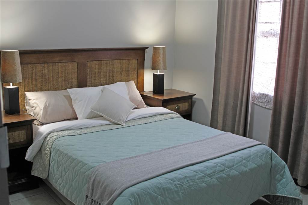 2 Bedroom Apartment In Halfway House