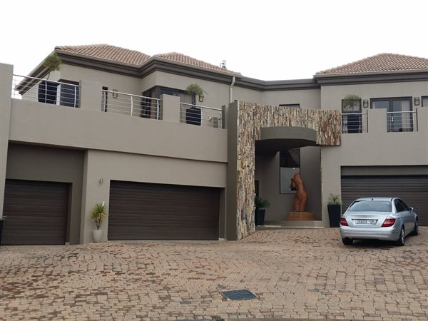 4 bedroom house for sale in bassonia t544779 private for Bassonia south africa