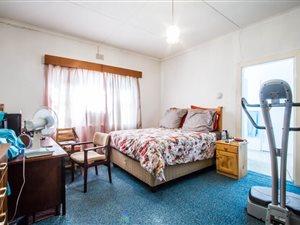 3 Bed House in Oudtshoorn thumb