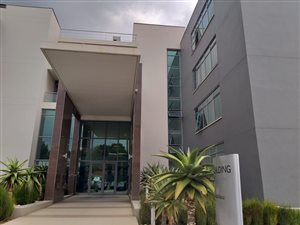 Commercial Property to rent with Office Place Johannesburg