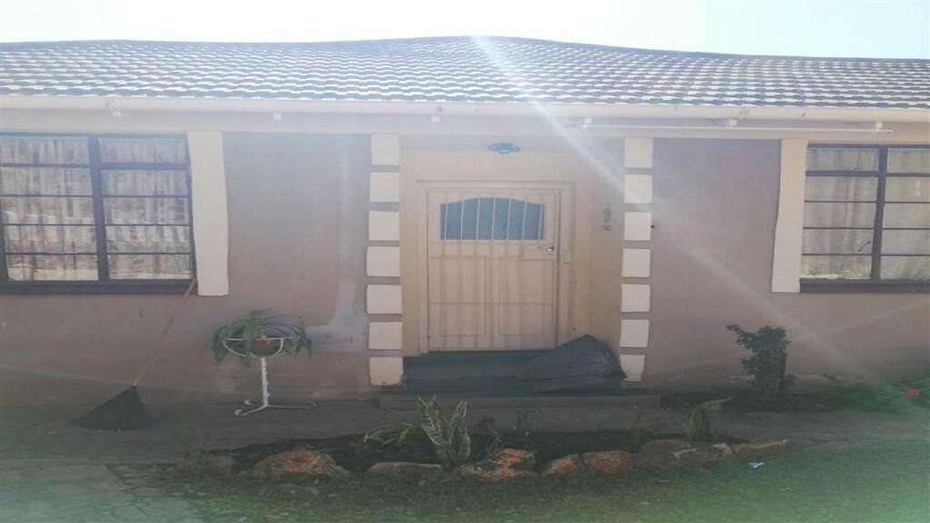 3 bed house in stilfontein