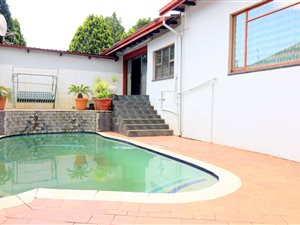 Homestead Park: Property and houses for sale   Private Property