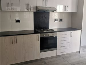 3 Bed Townhouse in Amanzimtoti