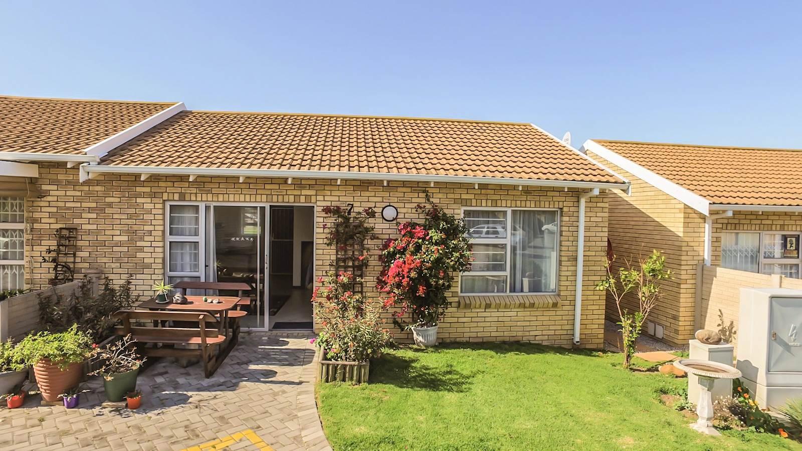 2 Bedroom Townhouse For Sale In Kabega Park T973991