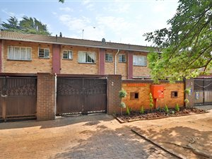 classic fit price reduced cheap price Windsor West: Property and houses for sale | Private Property