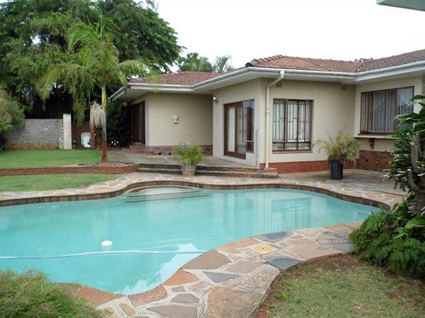 12 Bedroom House For In Asylum Down Broll Ghana