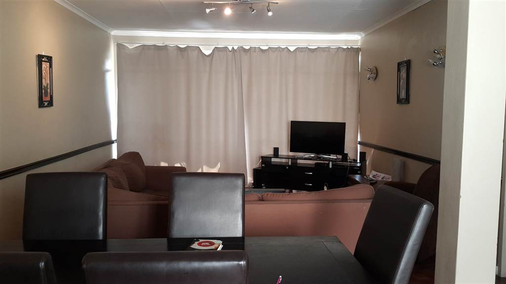 1 Bedroom Apartment To Rent In Craighall Rr454324 Private Property