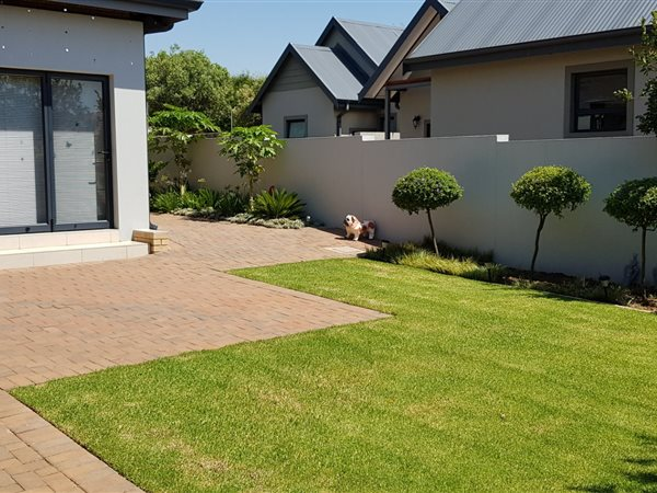 2 Bed House for sale in Retire at Midstream | T2358556