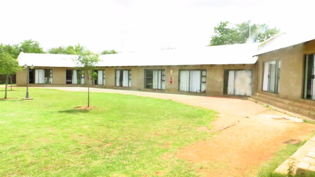 10 Bedroom House for sale in Hekpoort | T1110400 | Private Property