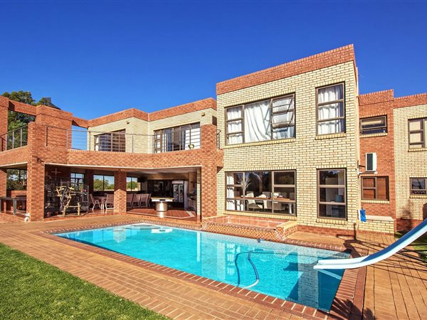 5 Bed House For Sale In Mooikloof Equestrian Estate