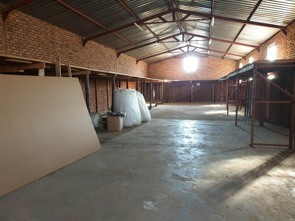 commercial space in mafikeng