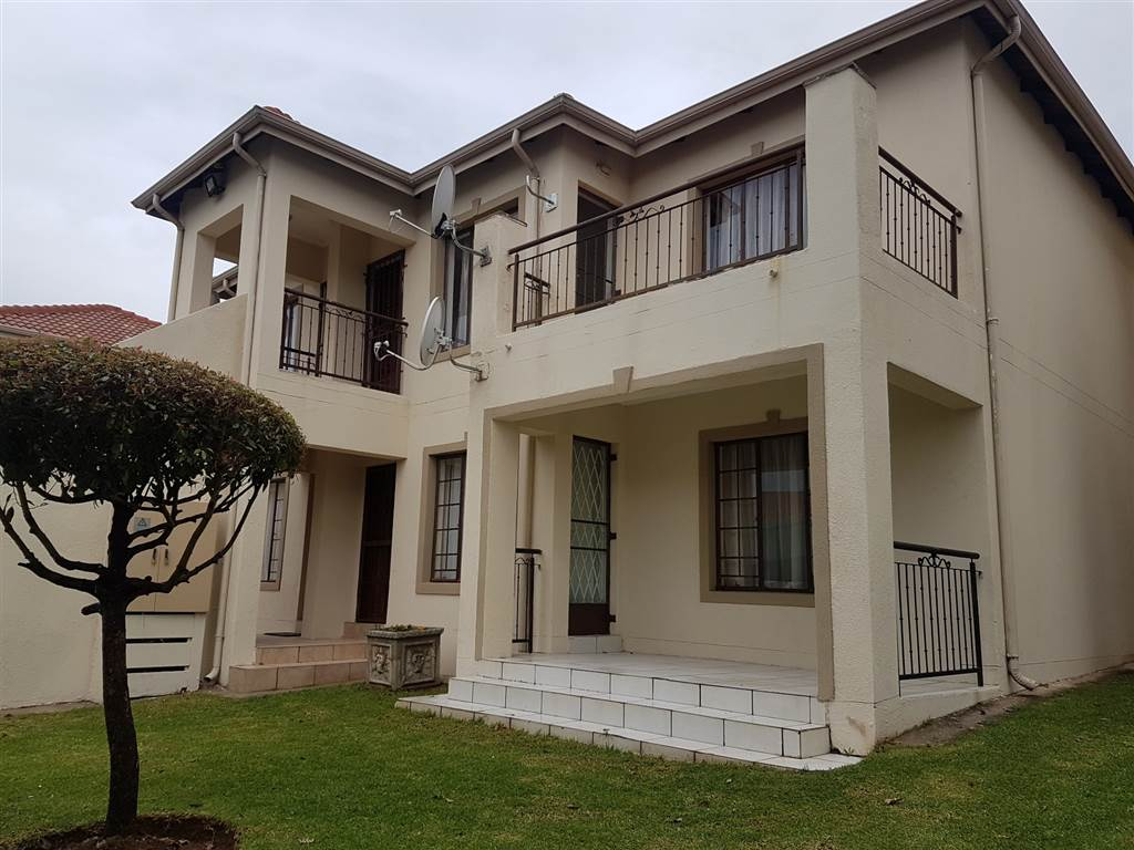 2 bedroom townhouse for sale in whitney gardens t1836413 for 2 bedroom townhouse