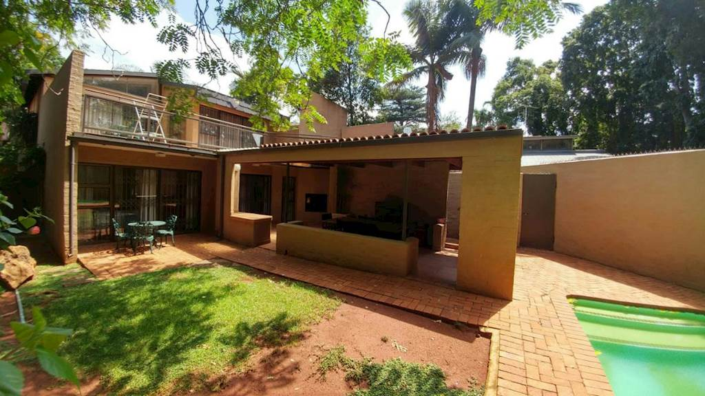4 Bedroom Townhouse For Sale In Hatfield T1100287 Private Property