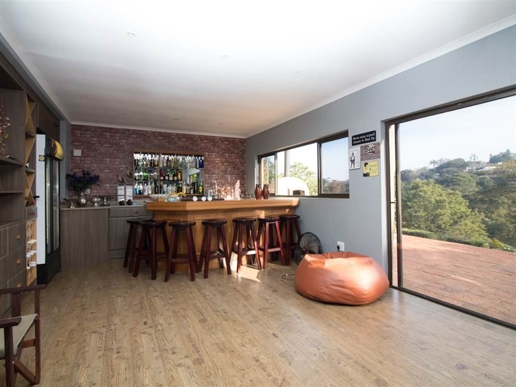 4 Bedroom Townhouse For Sale In Kloof T1262458 Private Property