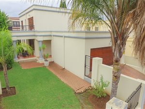 Halfway Gardens: Property and houses for sale | Private Property
