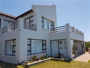 4 Bed House in Santareme