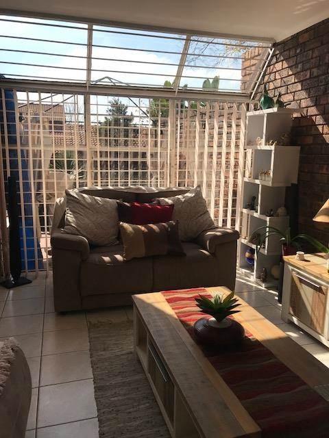 4 Bedroom Cluster In Lonehill