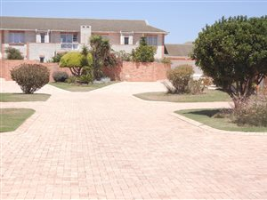 Summerstrand: Property and houses for sale | Page 3