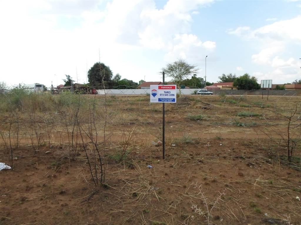 1601 m land available in makwassie