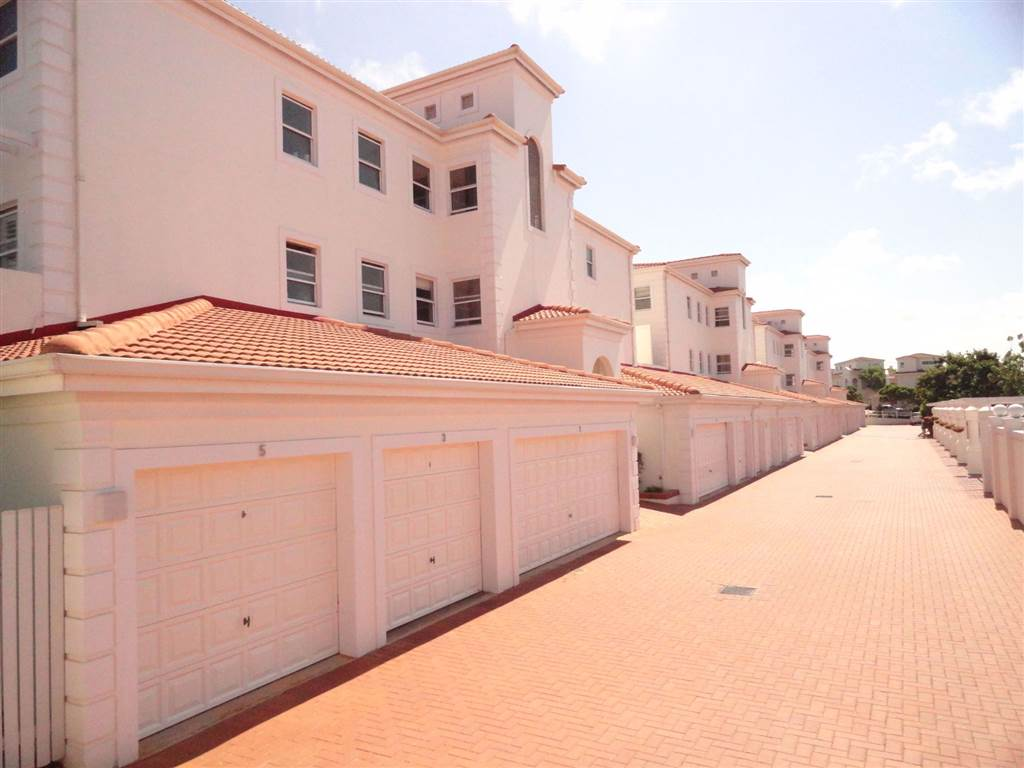 3 Bed Apartment to rent in La Lucia | RR3098992 | Private ...