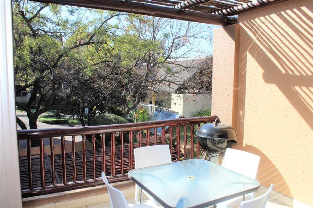 2 Bedroom Apartment In Lonehill