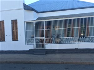 3 Bed House in Beaufort West