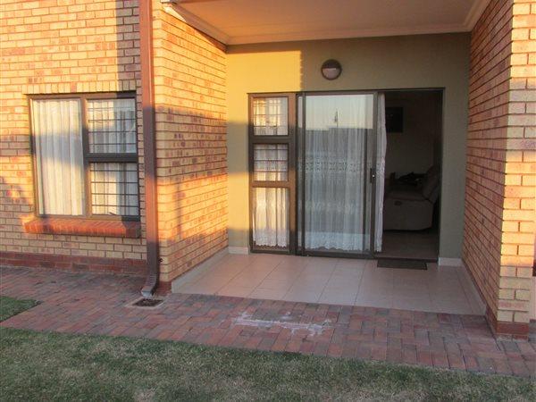 2 Bed Apartment for sale in Eldoraigne | Z37831 | Private