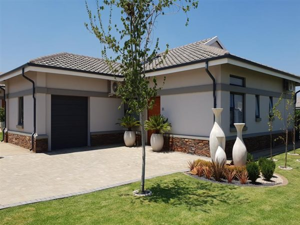 3 Bed House for sale in Zesfontein AH | T2254414 | Private