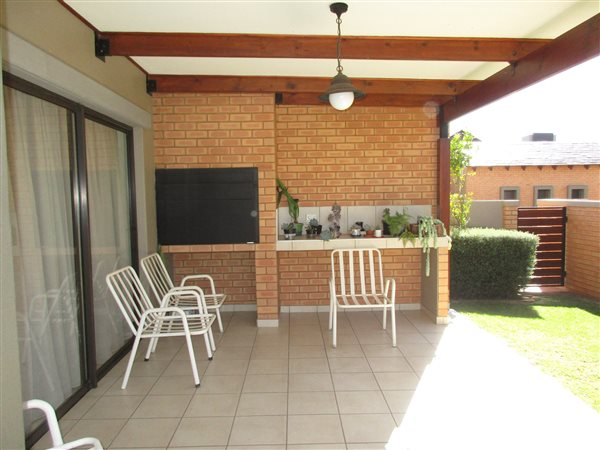 2 Bed House for sale in Retire at Midstream | T1829020