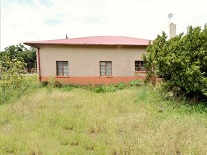 3 Bed House in Trompsburg photo
