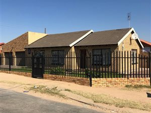 Mafikeng: Property and houses for sale | Private Property